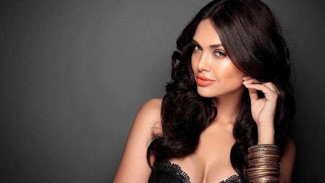 Esha Gupta has published a series of nude and half-naked pictures of herself in the net world