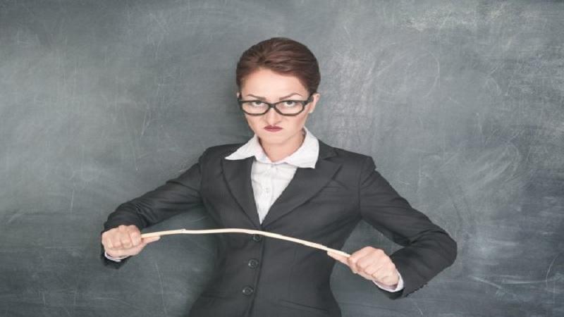 Akibat Merasa Mengerti dan Berjasa Bisa Membuat Guru Jadi Anti Kritik