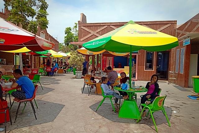 Kulineran di Transera Waterpark