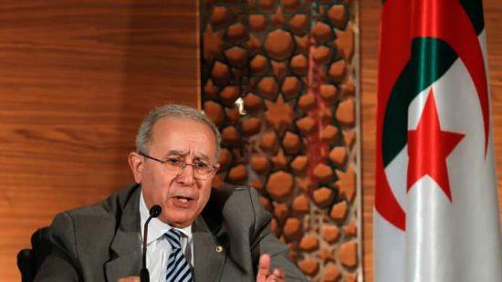 الجزائر تلوح بتقسيم الاتحاد الإفريقي بعد قبول إسرائيل كبلد مراقب