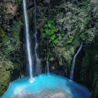 Air terjun dua warna Sibolangit