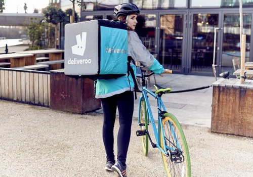 Tinuku Deliveroo raised $385 million to compete Foodora and Just Eat