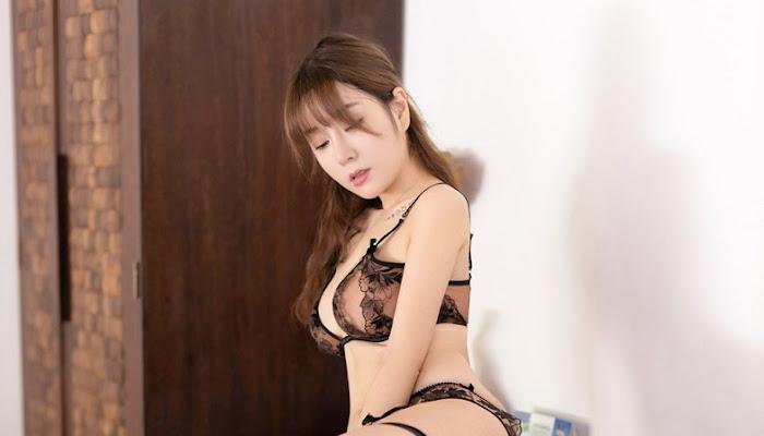 St. Wang Yu Chun incarnated the sexy secretary - For18xxx