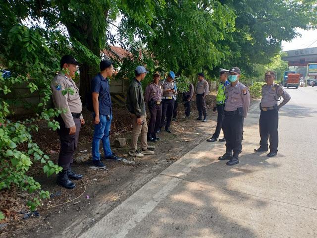 Polisi Periksa Kendaraan yang Membawa Peserta Reuni 212 di Banten
