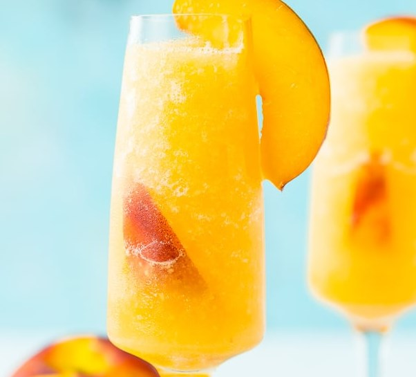 Frozen Peach Bellini #drinks #smoothies