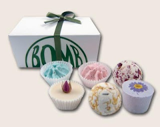 Luxury Ballotin Assortment Bath Gift Set Bomb Cosmetics , contain 6 pcs £9.99