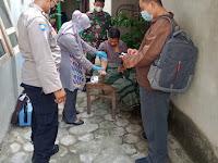 Bhabinkamtibmas Dampingi Vaksinasi Disabilitas dan ODGJ di Kelurahan Semaki