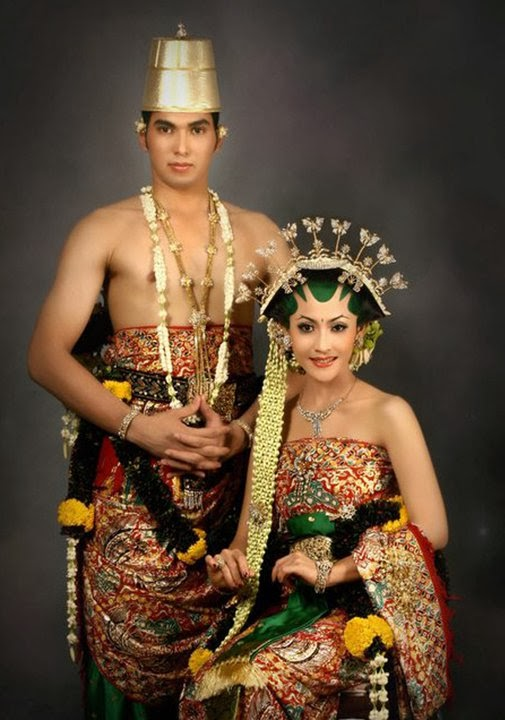 Photo Pengantin Adat Solo  Album Wedding