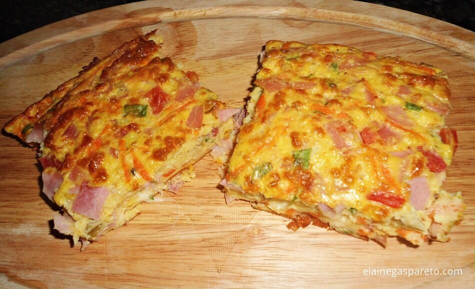 Torta de cenoura, presunto e muçarela fácil e rápida