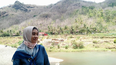 Aliran sungai Oya di desa wisata srikeminut