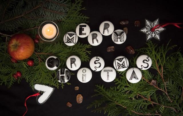Porcelanowe gałki meblowe w roli głównej - merry christmas