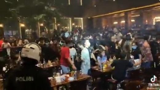 Akibat Kerumunan di Holywings Kemang, DKI Jakarta Ambil Langkah Tegas kepada Pelanggar Prokes dan PPKM