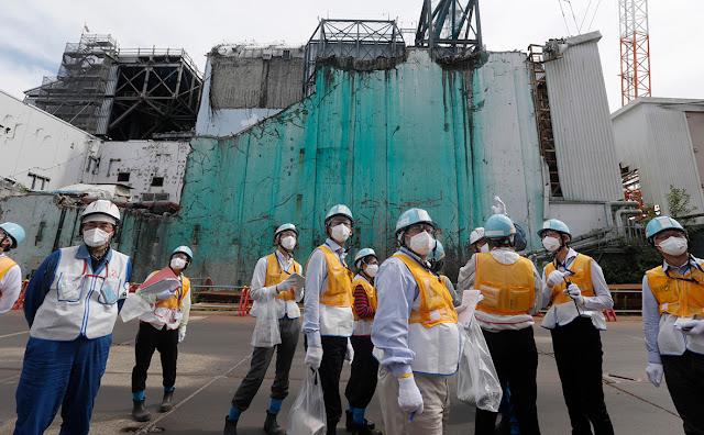 """Япония сбросит в Тихий океан воду с атомной станции """"Фукусима"""""""