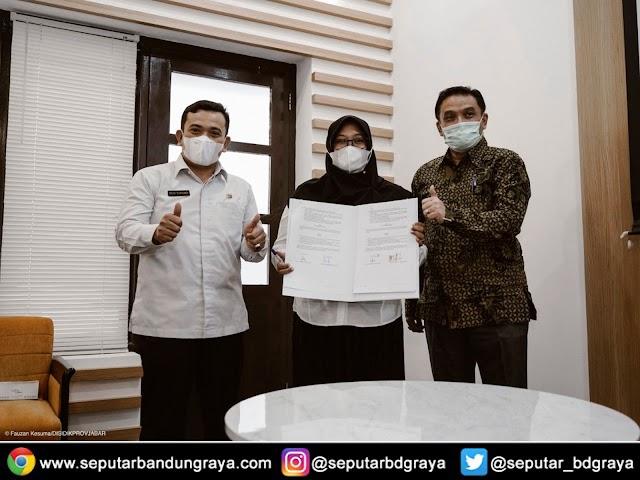 683 Guru di Jawa Barat Diangkat Sebagai Pegawai Pemerintah dengan Perjanjian Kerja
