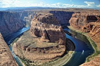 10 địa điểm du lịch nguy hiểm hút khách nhất thế giới - Ảnh 6
