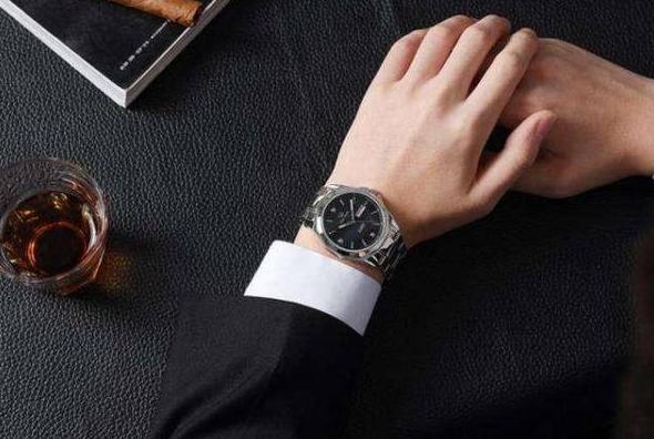 Inilah 2 Kunci Utama Untuk Mendapatkan Jam Tangan Pria yang Sempurna