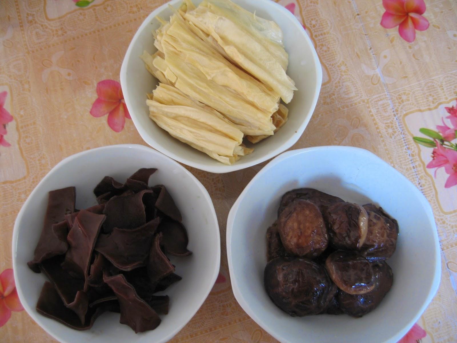 Sumptuous Flavours Vegetarian Bak Kut Teh 斋肉骨茶