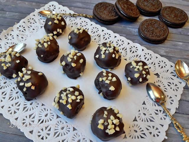 Bolitas de  Oreo bañadas en chocolate