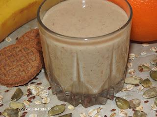 Reteta smoothie de cereale cu fructe natural de casa retete culinare bautura fresh cu fulgi de ovaz banane mere portocale suc de lamaie seminte de dovleac si in pentru diete si cure de slabit,