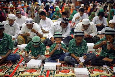 Inilah-3-Kegiatan-Berbagi-Baik-yang-Harus-Kamu-Lakukan-di-Ramadhan-Tahun-Ini