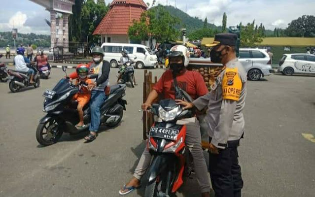 Polresta Jayapura Himbau Masyarakat Ikuti Kegiatan Vaksinasi Nasional TNI-Polri