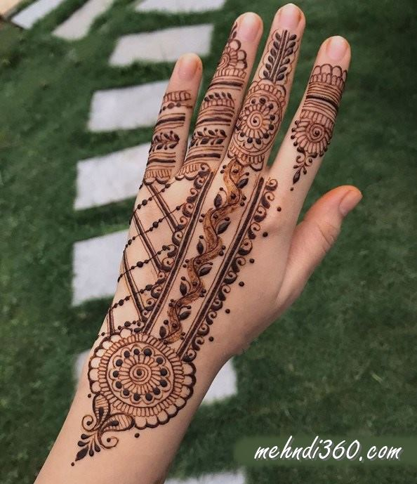 Back  Hand Beautiful Mehndi Design