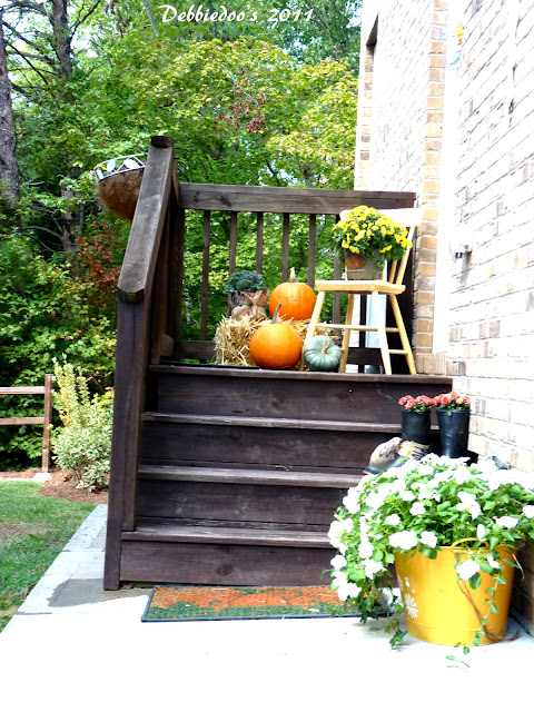 Decorating outdoors for Fall