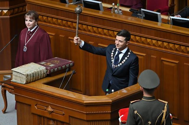 Ukrán kormánypárti képviselők az alkotmánybírósághoz fordultak a parlament feloszlatása ügyében