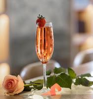 Cocktail en apoyo a la lucha contra el cáncer de mama