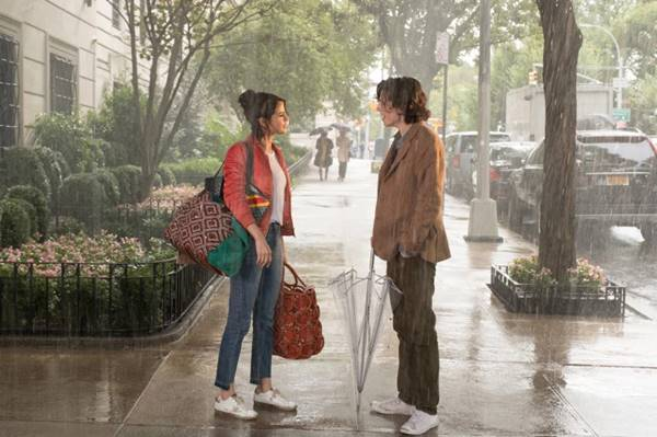 Baca Review Film A Rainy Day in New York (2019)
