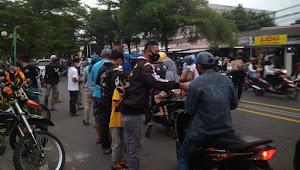 Berbagi Kebahagiaan, PSN dan Komunitas Motor Supermoto pantai selatan Palabuhanratu,Bagikan Ratusan Takjil, dan Masker
