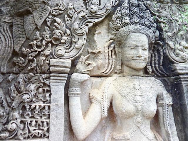 Decoracion-Apsara-Templo-Bayon-Angkor-Camboya