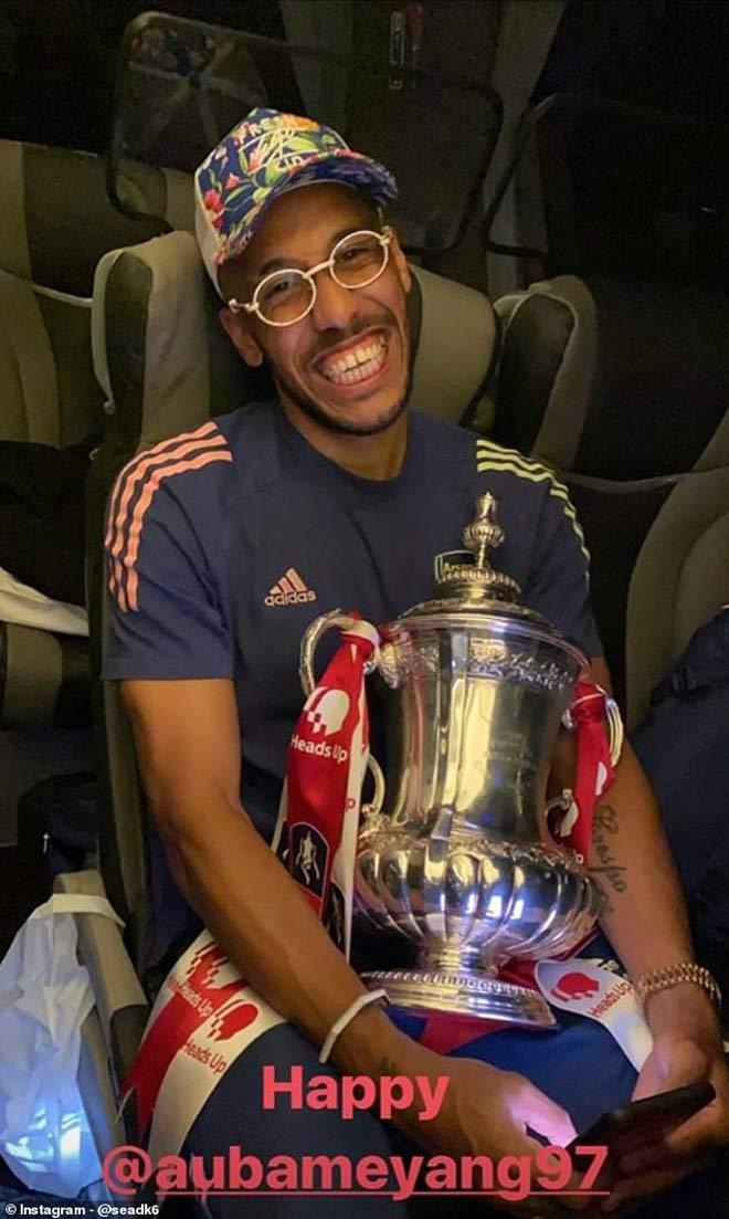 Arteta tri ân Pep, Aubameyang vô địch FA Cup có vĩ đại hơn Messi - Ronaldo? 3