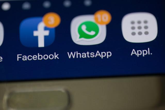 عطل تقتي للفيسبوك والواتساب في العالم