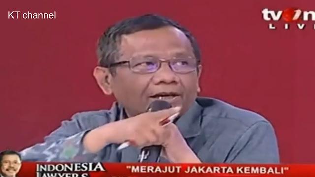 Tidak Faham Khilafah, Felix Siaw Dikuliahi Mahfud MD
