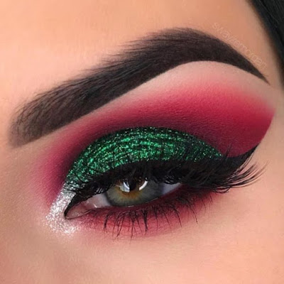 Maquillaje rojo y verde
