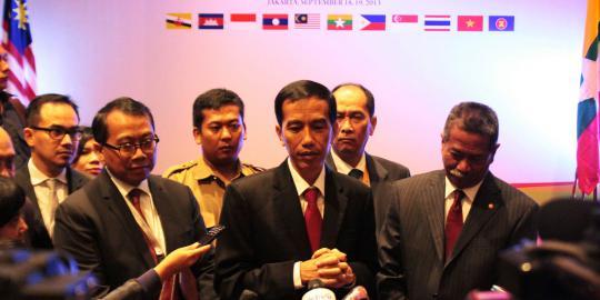 Beda Dengan Anies, Begini Gaya Jokowi di Forum Internasional : Pakai Teks Hingga Bahasa Inggris Logat Jawa