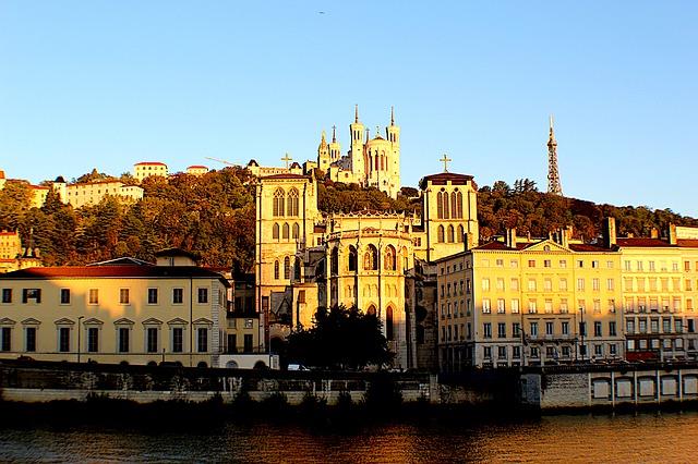 Face au vieux-Lyon