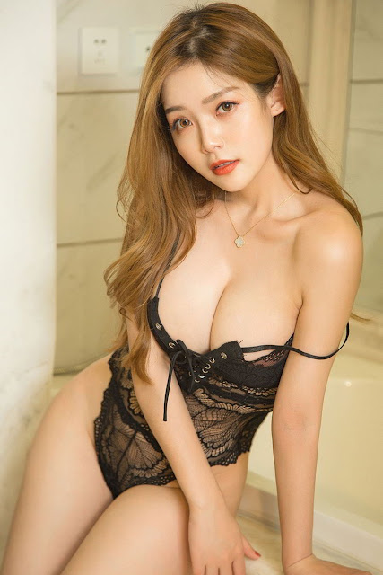 Hot and sexy big boobs photos of beautiful busty asian hottie chick Chinese booty model Bai Xue photo highlights on Pinays Finest sexy nude photo collection site.