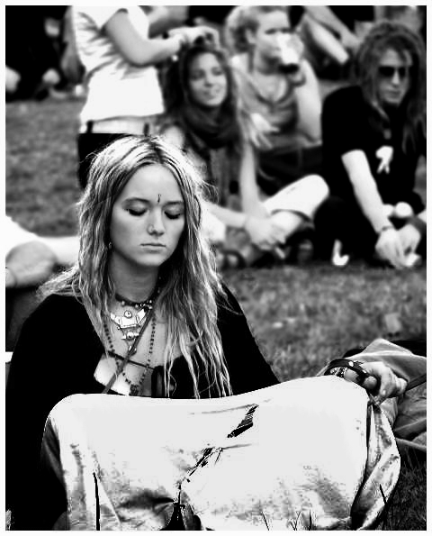 Hippie Fashion Photography: Diffent Styles In A Different Time :)) Fashion Is