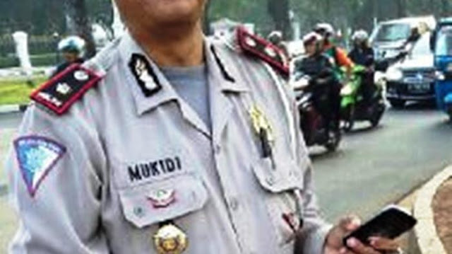 Mukidi polisi