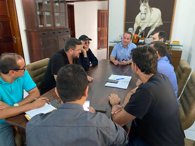 Prefeito Marcello Maranhão recebe equipe responsável pela construção da Metalúrgica Barra do Piraí