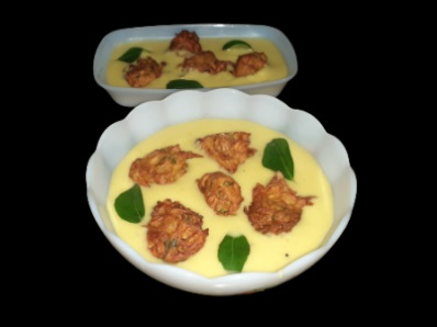Kadhi Pakora Recipe in Hindi । भजिया कढ़ी । पकोड़ा कढ़ी रेसिपी
