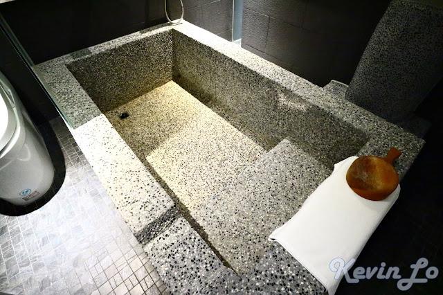 東旅湯宿溫泉飯店-風華漾館兩個人可以同時泡