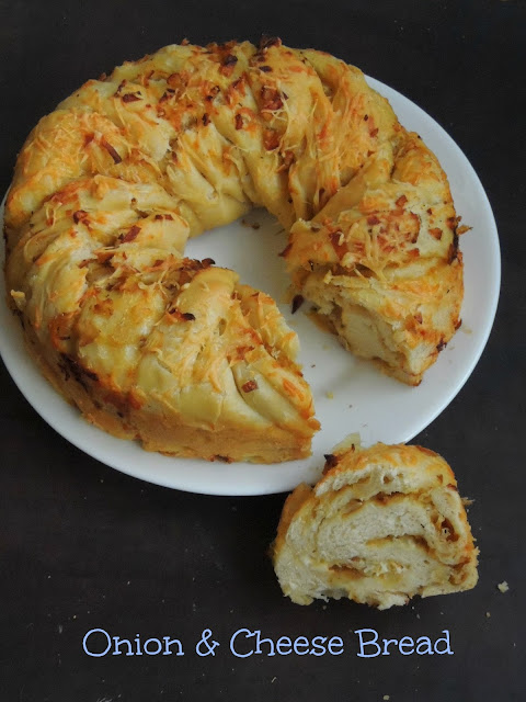 Eggless Cheesy Onion Swirl Bread