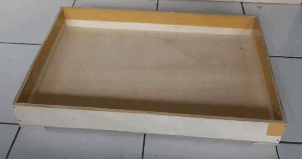 Kotak Ulat Hongkong Selesai dan Dijemur Sebelum Digunakan