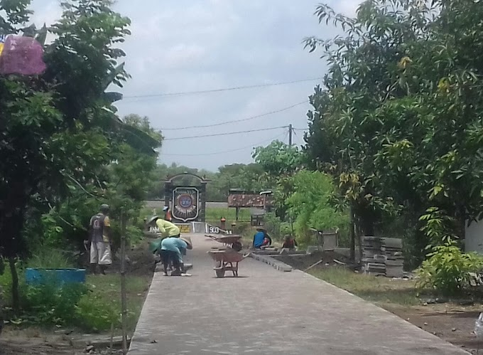 Desa Banyukambang Manfaatkan DD Untuk Pavingisai