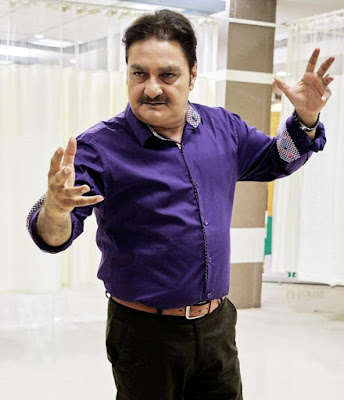 vinay-pathak-role-in-film-khajoor-pe-atke-revealed