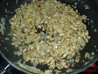Cebolla y champiñones pochados