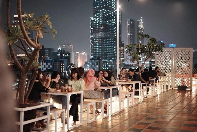 10 Hotel dengan Rooftop Keren Parah di Jakarta! Mulai Rp. 200 Ribuan Aja!